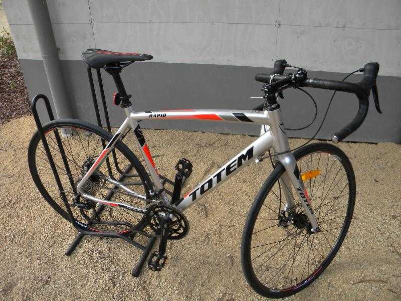 Totem Rapid Expert Disc brake road bike