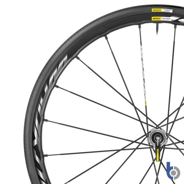 <p>2015 Mavic Ksyrium Pro Disc Road Wheelset</p>