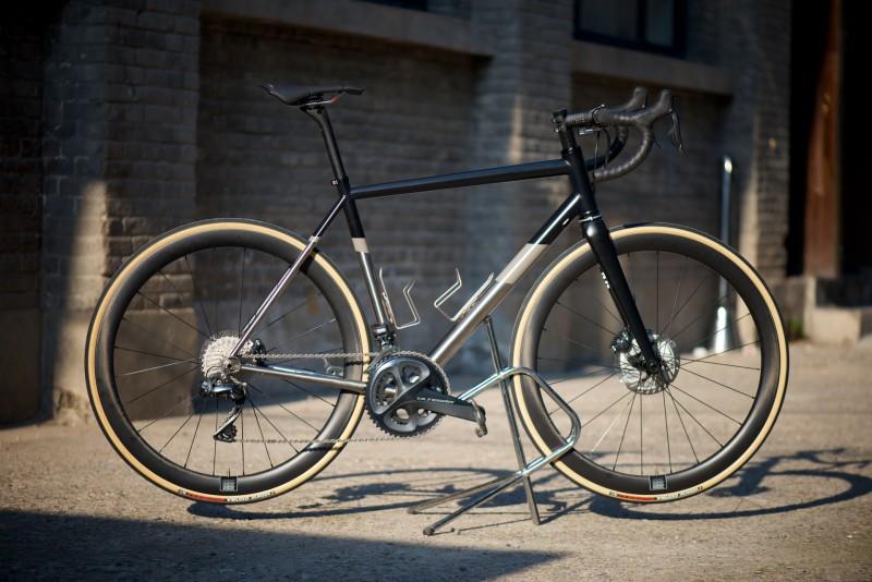 The Captain - Ultegra DI2 (Full Bike - Matte Black)