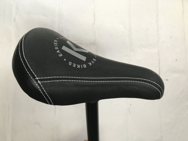 ByK E450 Saddle and Seatpost Black